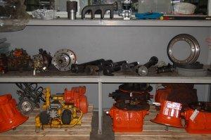 Hydr. pompen - rijmotoren - zwenkpompen hydr. ventielen